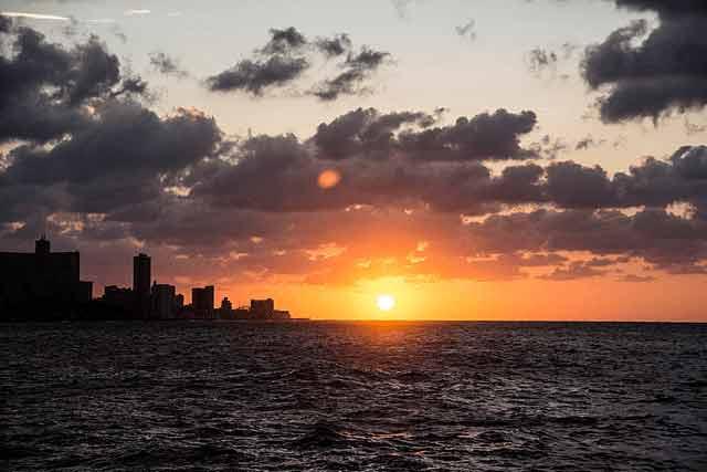 Hawana na Kubie to miejsce na urlop w marcu