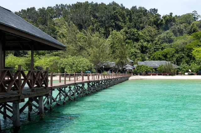 Malezja zachwyca kolorem wody i niezwykłą przyrodą
