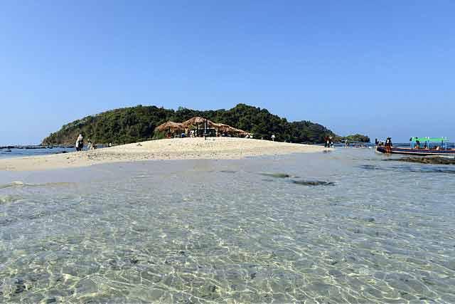 Plaża Myanmar perfekcyjne miejsce na ferie w ciepłych krajach