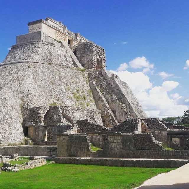 Uxmal, Meksyk - piramidy w Meksyku