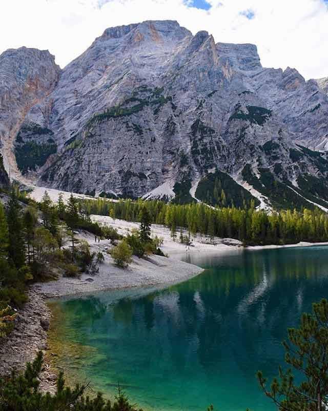 Dolomity - Jezioro górskie