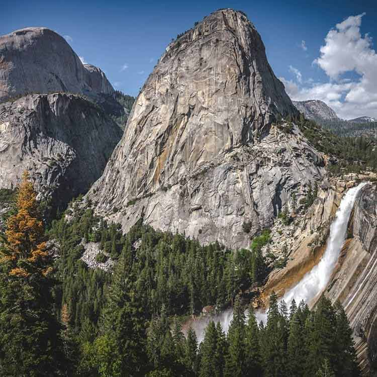 Wodospad w Parku Yosemite - Wodospad Nevada