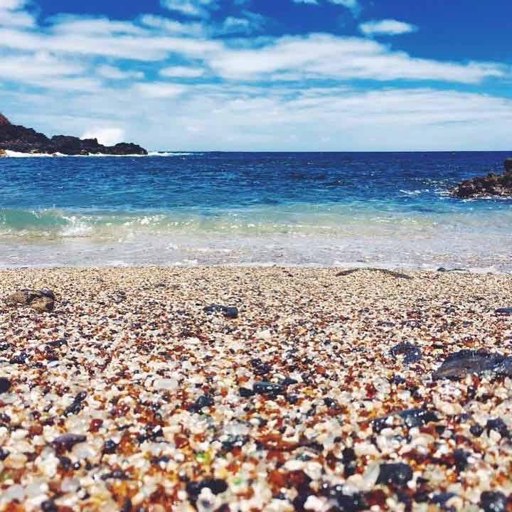 Co można zwiedzać na Hawajach - Szklana plaża