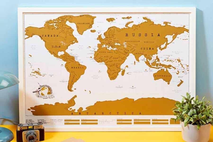 Mapa świata na ścianę. Do zdrapywania