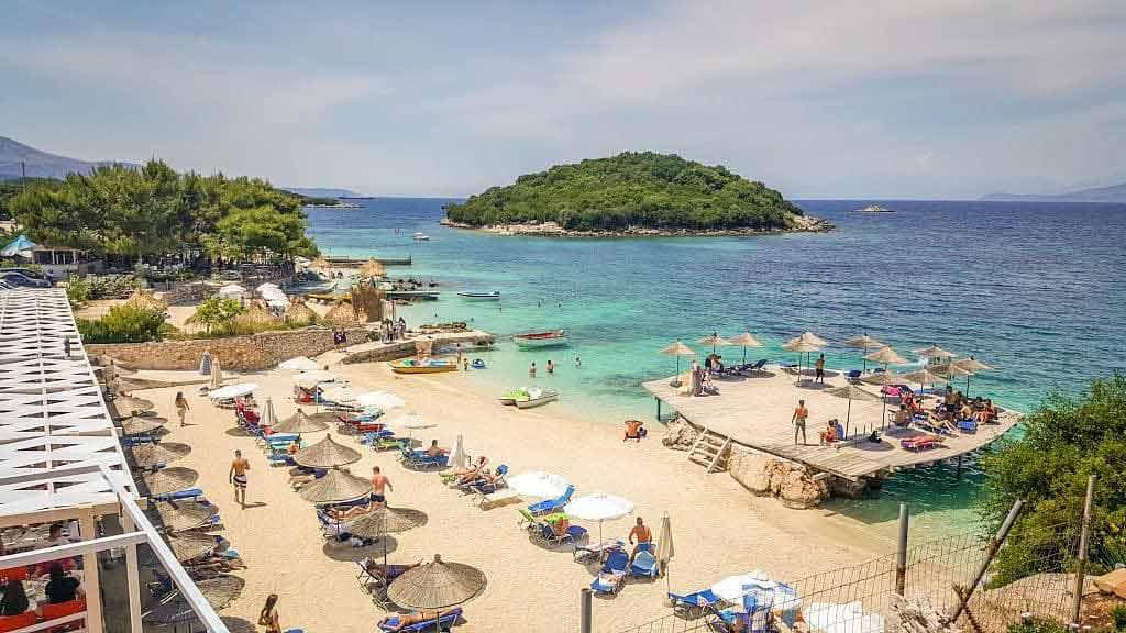 Kiedy lecieć do Albanii?