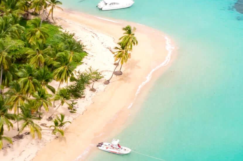 Ile się leci na Dominikanę