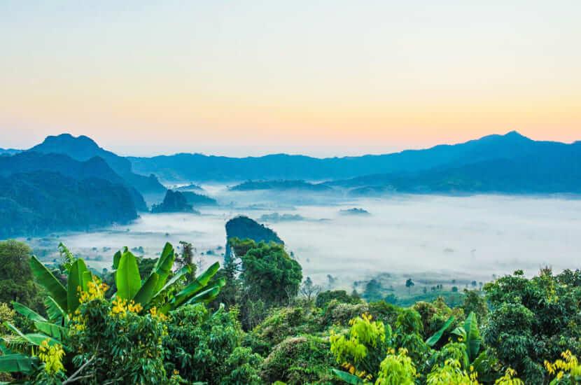Tajlandia, lot - ile trwa
